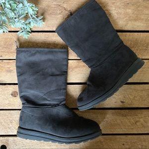 ✨ Mukluks   Black Boots, Size 6